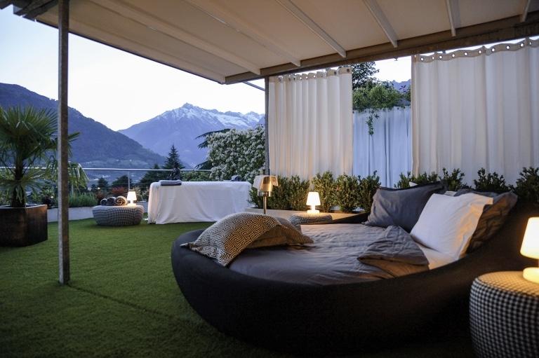 Suite unter freiem Himmel im Hotel Ansitz Plantitscherhof in Meran, Südtirol