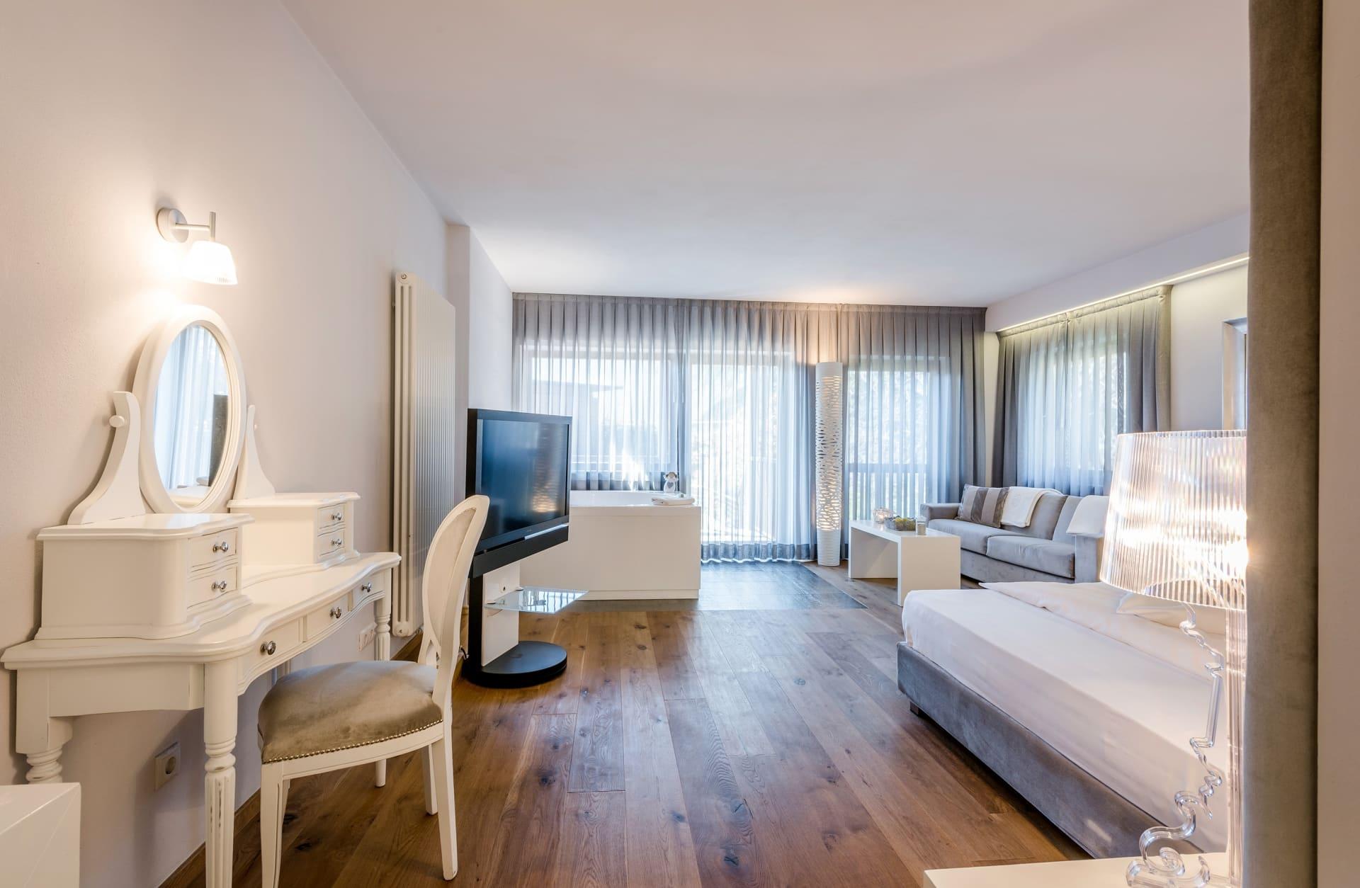 Suite mit privatem Whirlpool im Hotel Plantitscherhof in Meran, Südtirol